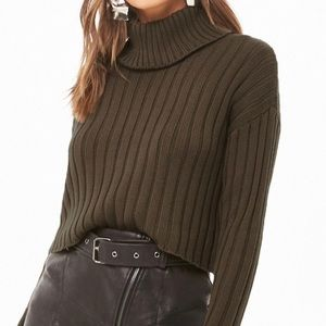Ribbed turtleneck cropped sweater dark olive sz S